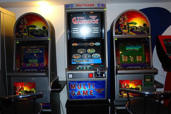 Продам игровые автоматы винница прошивка ресивера голден стар 770