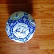 Мяч с автографом Шевченка